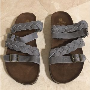 Beautiful White Mountain Leather Sandals